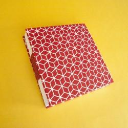 Cuaderno con patrón blanco...